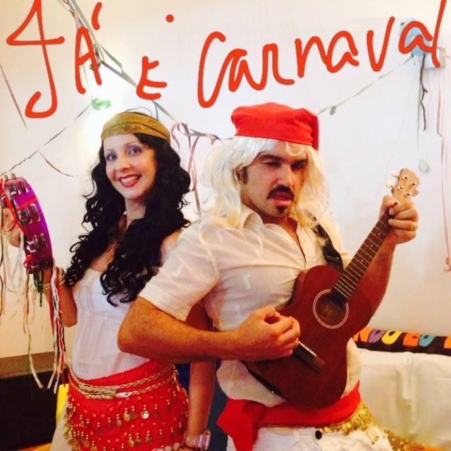 """Ação teatral  """"É Carnaval"""""""