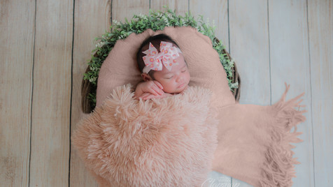 Clapsnap Studio | Newborn Photography