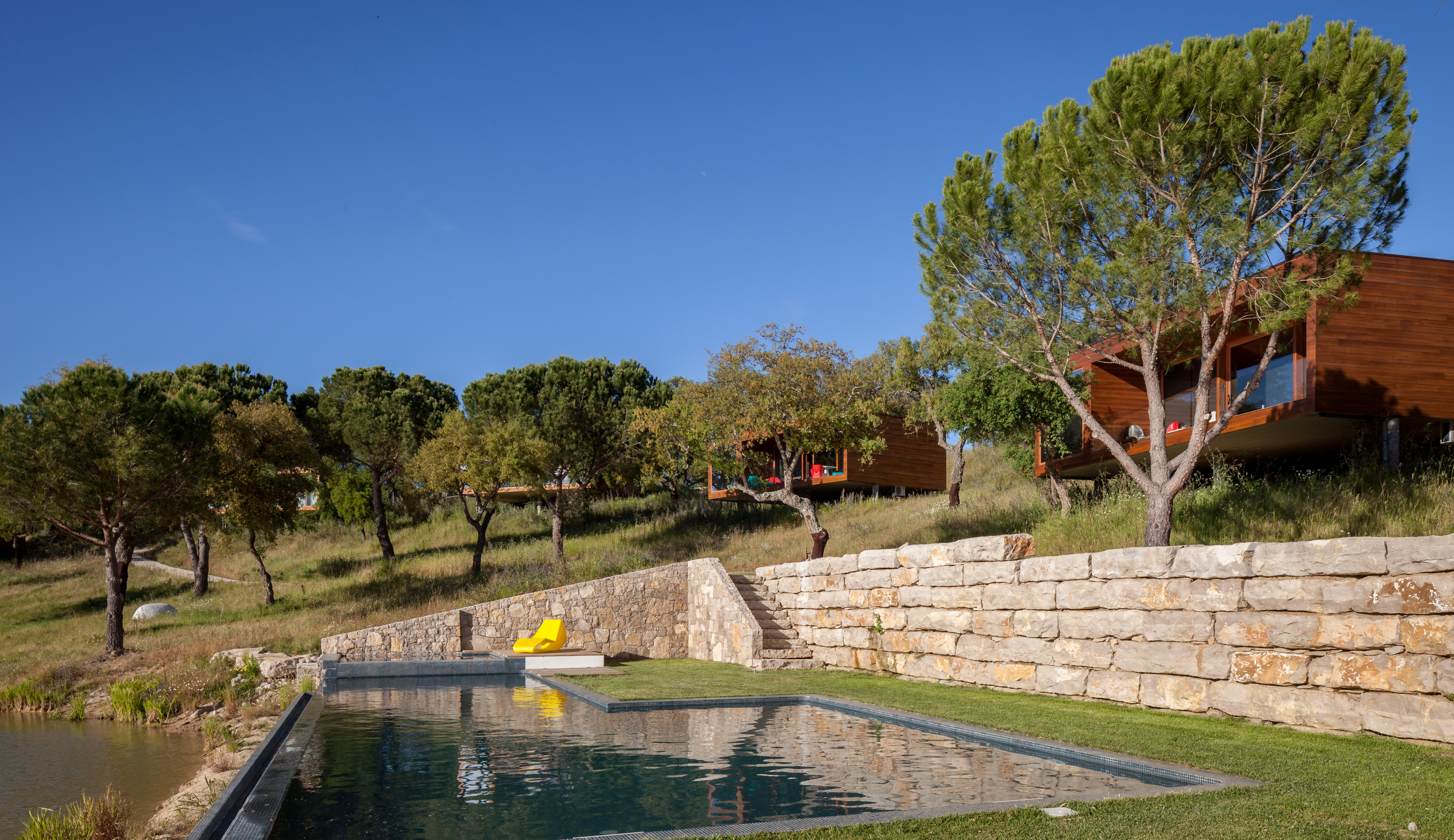 piscina exterior e vista.jpg