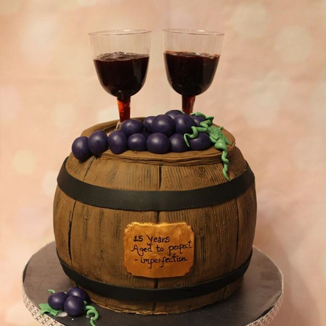 #njcakes #southbrunswick #celebration #celebrationcake #cheers #winecake #fondant #fondantcake #anni