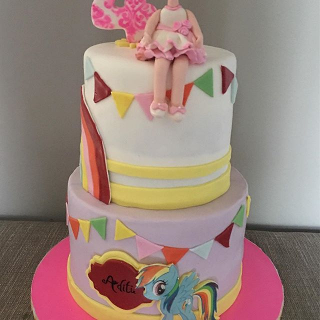 #4thbirthday #birthdaycake #fondant #birthdaygirl #rainbowdash #mylittlepony #rainbow #girltopper #n