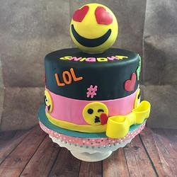 #emoji #emojicake #birthdaycake #njcakes