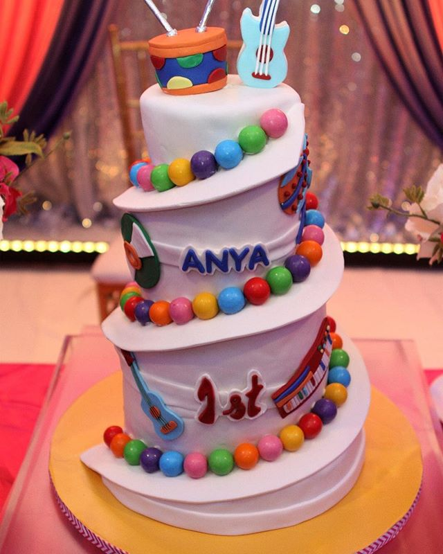 Music themed spiral cake #njcakes #customcakes  #spiralcake  #musicthemedcake #musicthemedparty #sug
