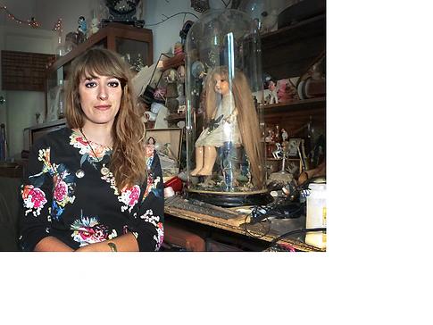 artiste Lucie de Syracuse atelier globe de mariée cabinet of curiosities