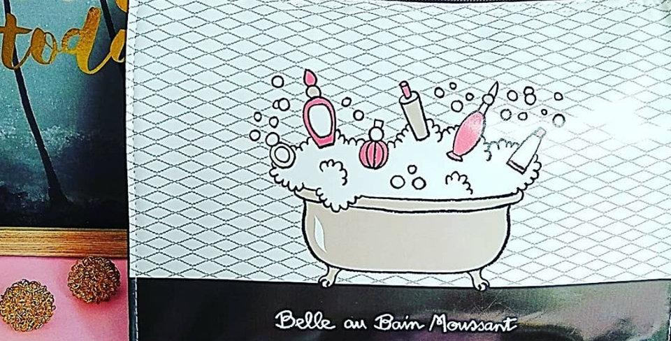 Neceser Bella en la bañera