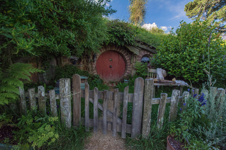 Hobbiton red door