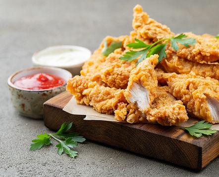 tiras-pollo-rebozadas-dos-tipos-salsas_7