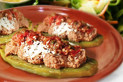 E - SOPES DE NOPAL CON REQUESON