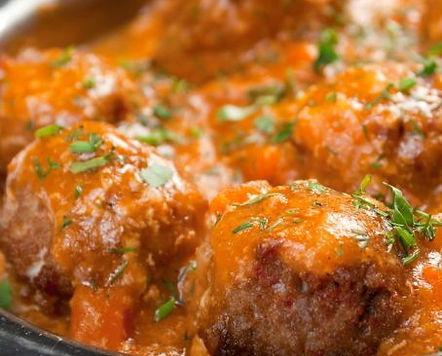 albondigas-al-horno-con-salsa-de-tomate.