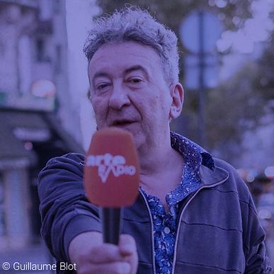 Dimanche 21 octobre, 16h30-17h45 | Goûter d'écoute de Silvain Gire | Journaliste et écrivain né en 1964. Fondateur et responsable d'ARTE Radio, la radio web d'ARTE [arteradio.com] depuis 2002. Il a publié un recueil de nouvelles, Johnny est mort, aux éditions du Seuil en 2002.