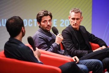 Raphaël Personnaz (comédien), Eric Le Ray (Création Collective)  Écoute collective en avant-première : L'Employé (Spotify)