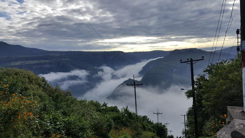 Panorámica de la Barranca de Huentitán, vista desde la cima de las vías.
