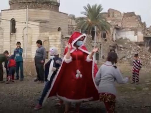 ماما نويل في العراق لمسح دموع الدمار