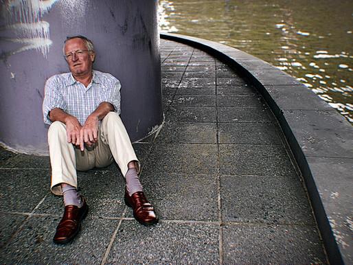 روبرت فيسك أشهر صحفي بريطاني بين اليسار العربي