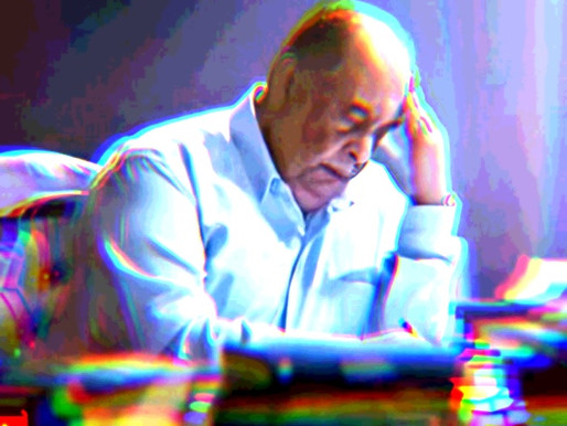 يوسف زيدان يكتب وصيته بشكل إقرار