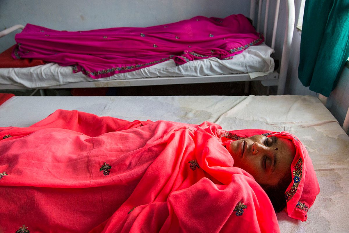 Meera Bawa (right) and another woman, who is recovering after laproscopy at the Marie Stopes India outreach clinic at the government primary health centre in Chandlai village, near Jaipur, Rajasthan, India, 2015.