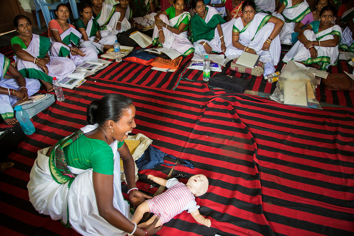 Training of Sahiyyas under AIF's Maternal and Newborn Survival Initiative (MANSI) at the Old CS Office in Seraikela, Jharkhand, India, 2014.