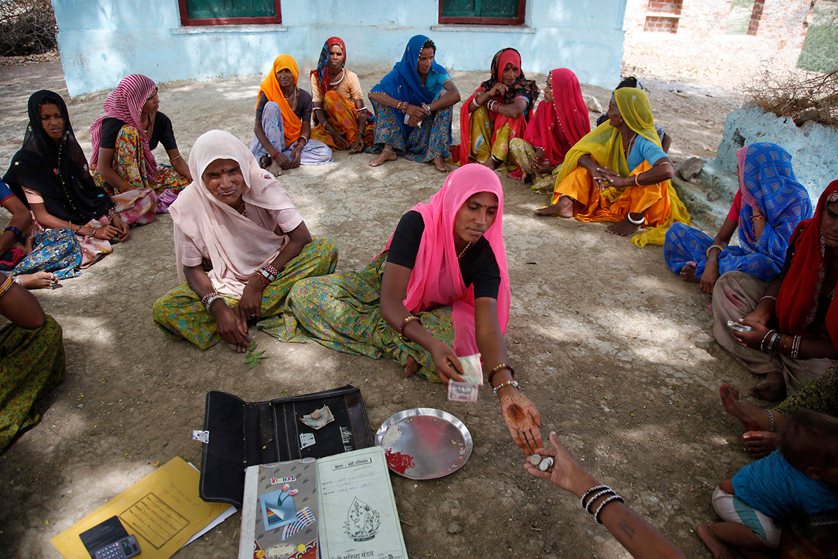 Meeting of the Srijan promoted Maitree Dairy project's Parvati Mahila Sankool (cluster) at Badoli village, Tonk district, Rajasthan, India, 2009.