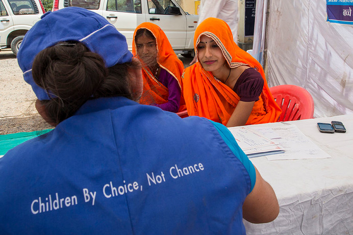 Mamta and Suman register for laproscopy at a Marie Stopes India outreach clinic at the government primary health centre in Chandlai village, near Jaipur, Rajasthan, India, 2015.