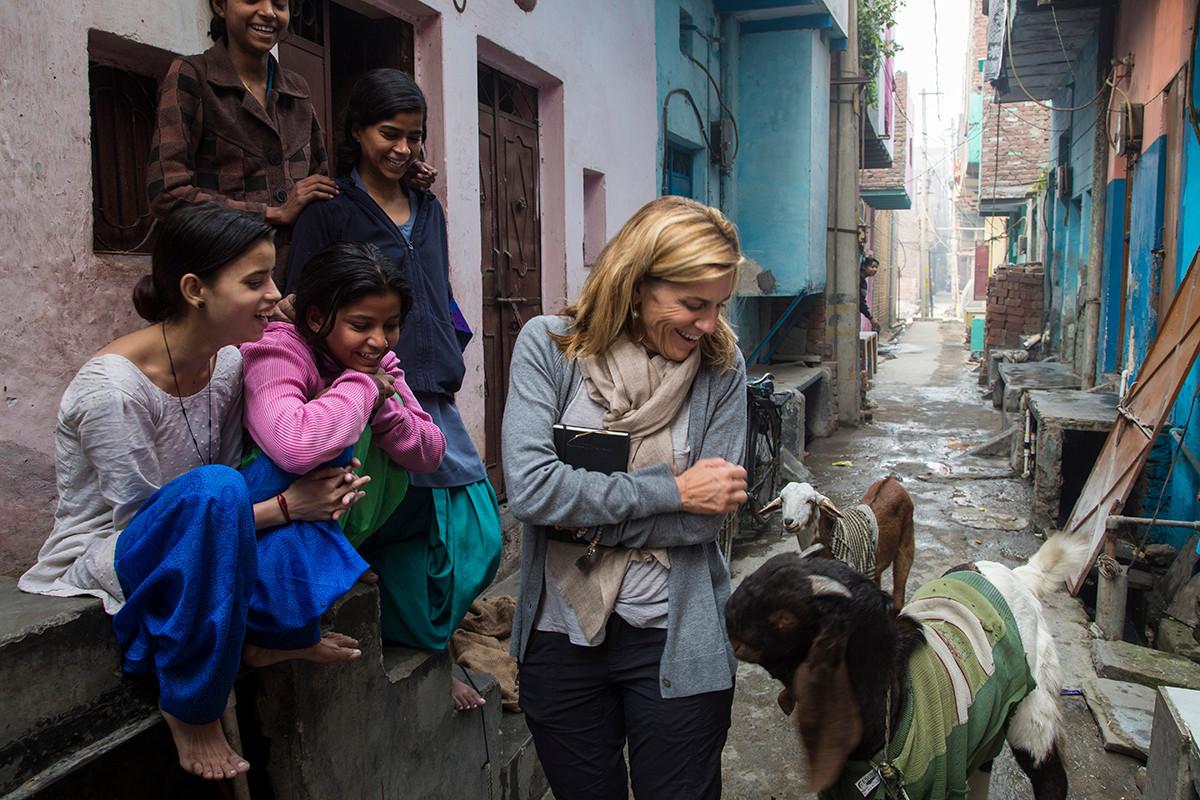 Laura Kohler adolscent girls during a learning visit to the Rajiv Nagar locality in Thana Mandoli, Delhi, India, 2015.