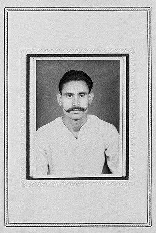 An early portrait of Malkhan Singh befor he became a dacoit (photographer unknown).