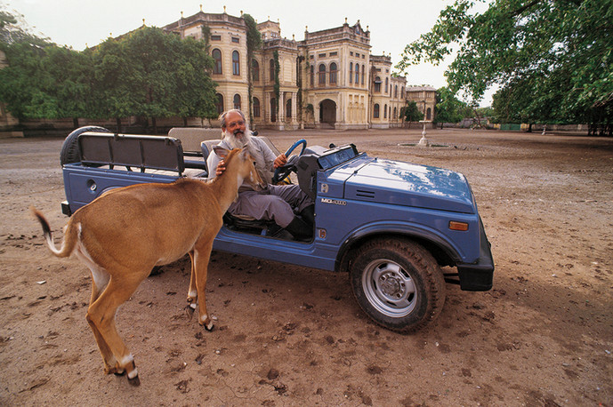 Jamnagar, Gujarat. 1991: The reclusive Jamsaheb of Nawanagar, Shatrushalya Sinh, in the grounds of his palace which he has converted into a mini wildlife sanctuary.