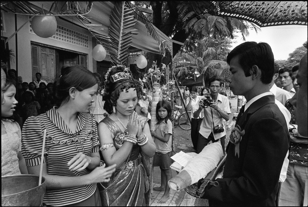 A traditional wedding ceremony in Phnom Penh.