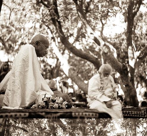 Shantiniketan, 1940: Mahatma Gandhi with Rabindranath Tagore.