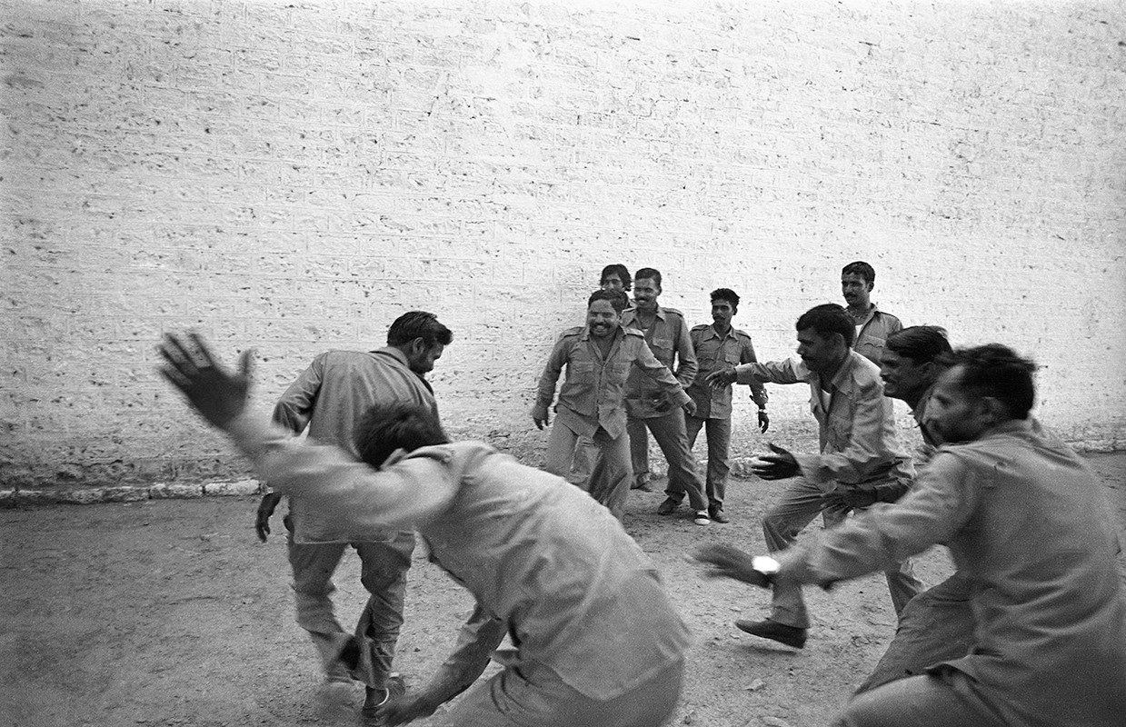 Malkhan Singh's gang members play a game of Kabbadi in Gwalior Central jail the day after his surrender, 1982.