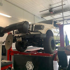 """Ford F-150 6"""" Rough Country Lift"""