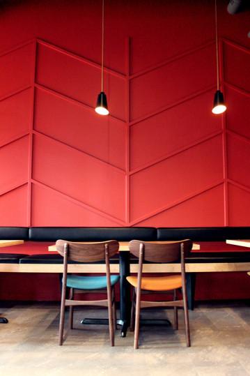 Side Room - Table - 1.jpg