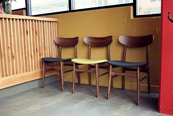 Entrance - Chairs - 2.jpg