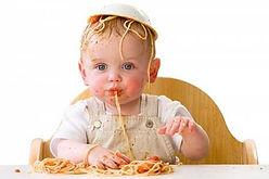 kind eet spaghetti.jpg