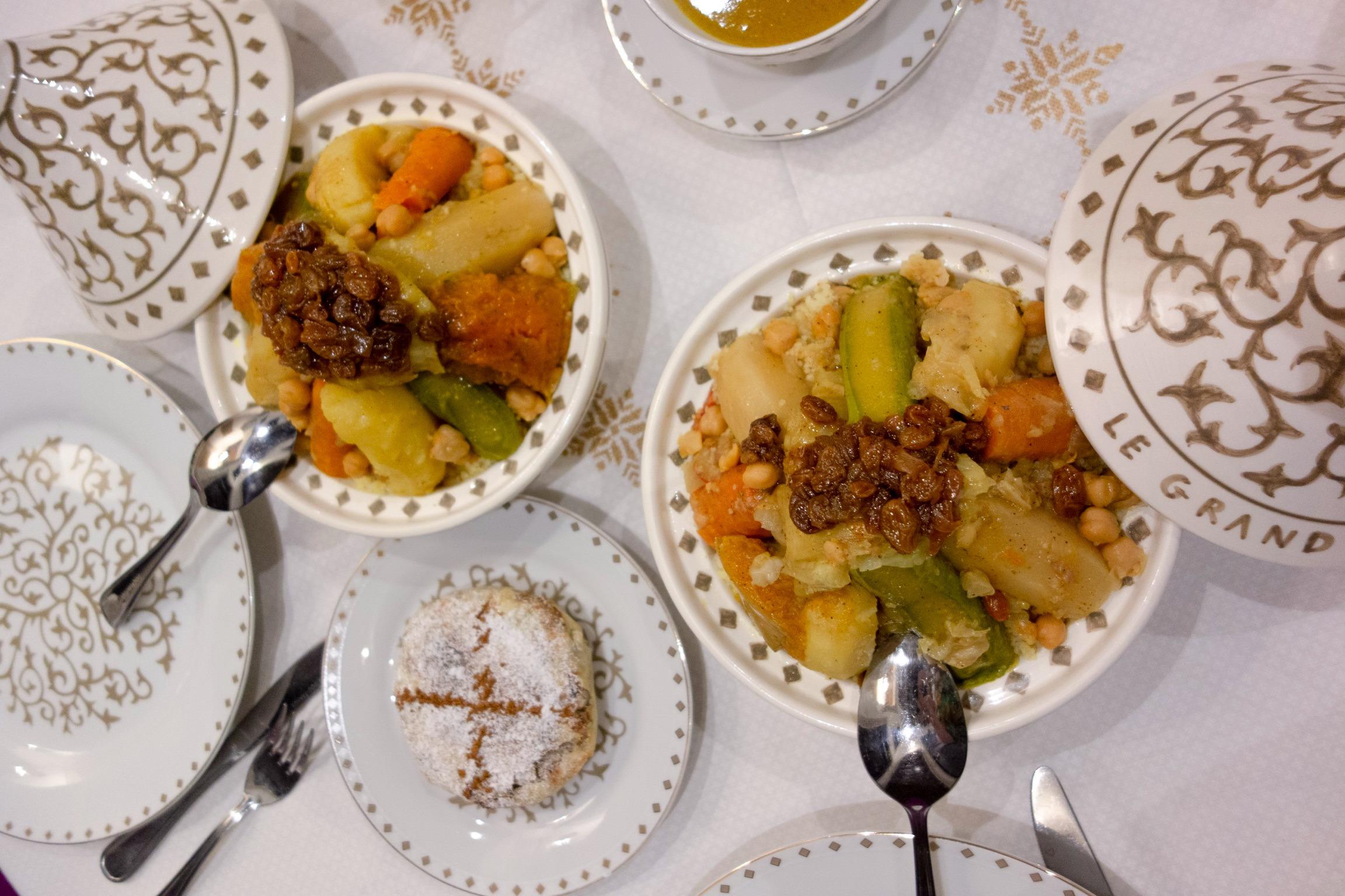 Couscous Royal et Pastilla sucrée au Poulet et amandes
