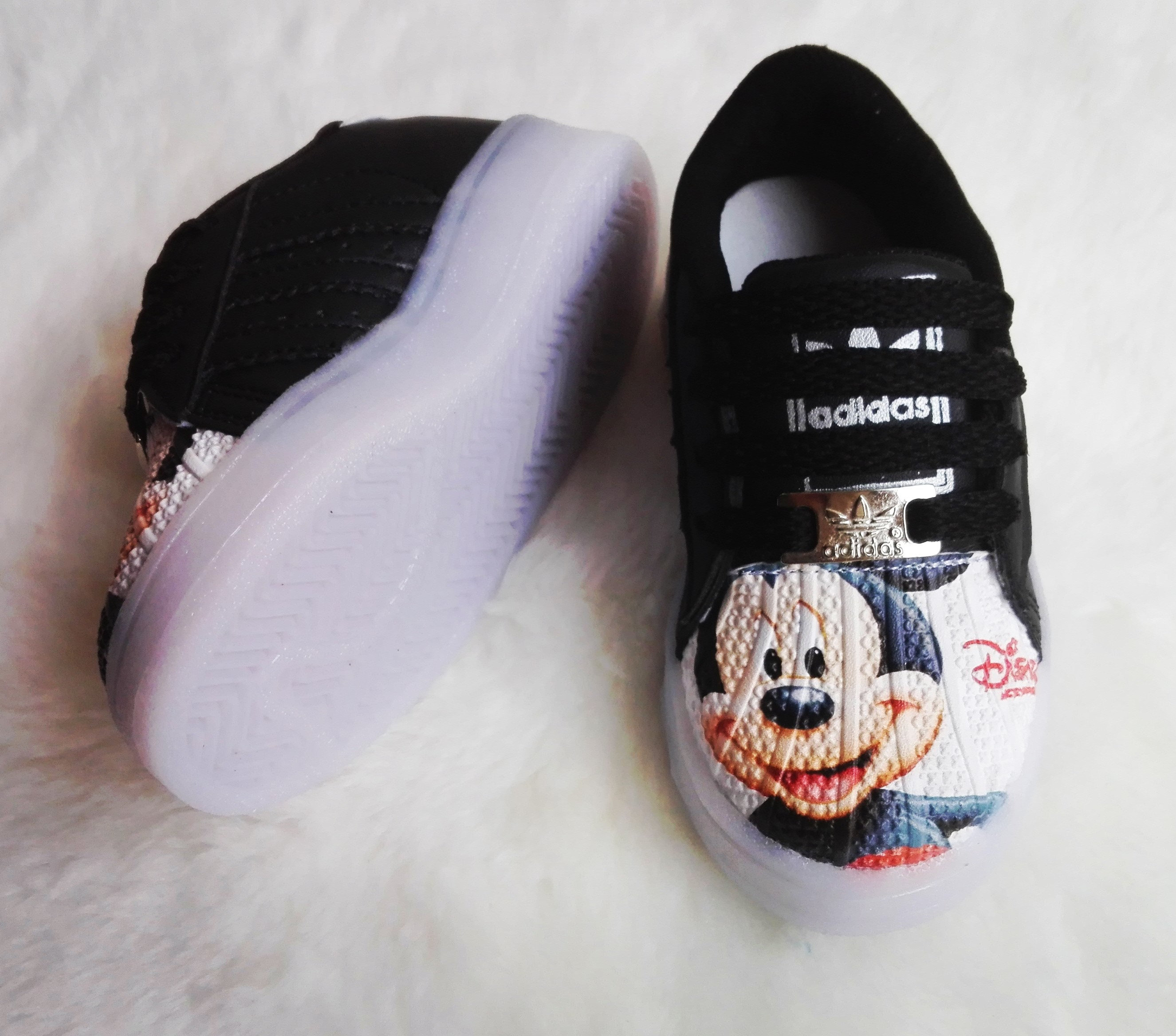 e1a395dfe4d29 Tenis Negros Mickey Mouse Led