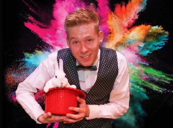 robbie james magician magic.jpg