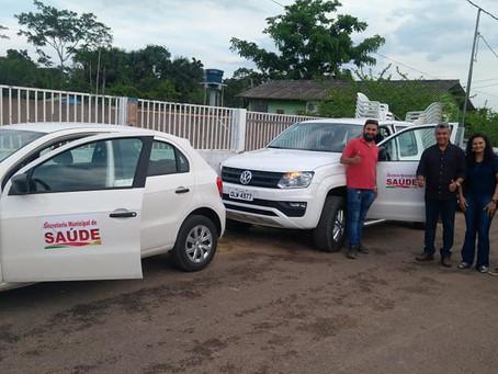 Prefeitura de Xapuri adquire dois veículos para transporte de pacientes e serviços rotineiros
