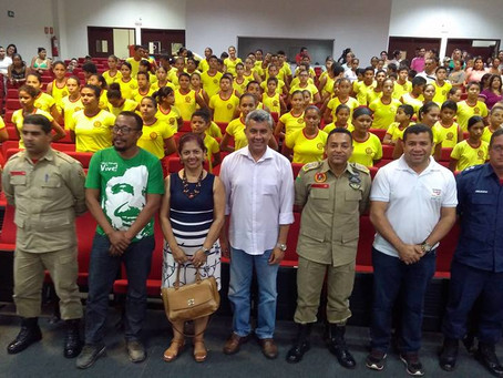 Prefeito Bira Vasconcelos participa de aula Inaugural do Projeto Bombeiro Mirim