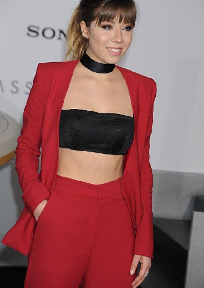 Jennette Mccurdy wears Colton Dane