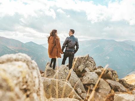 Dokąd jesienią na romantyczny wyjazd we dwoje? Wybierzcie się z nami w polskie góry!