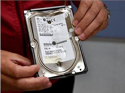 在硬盘打洞破环数据