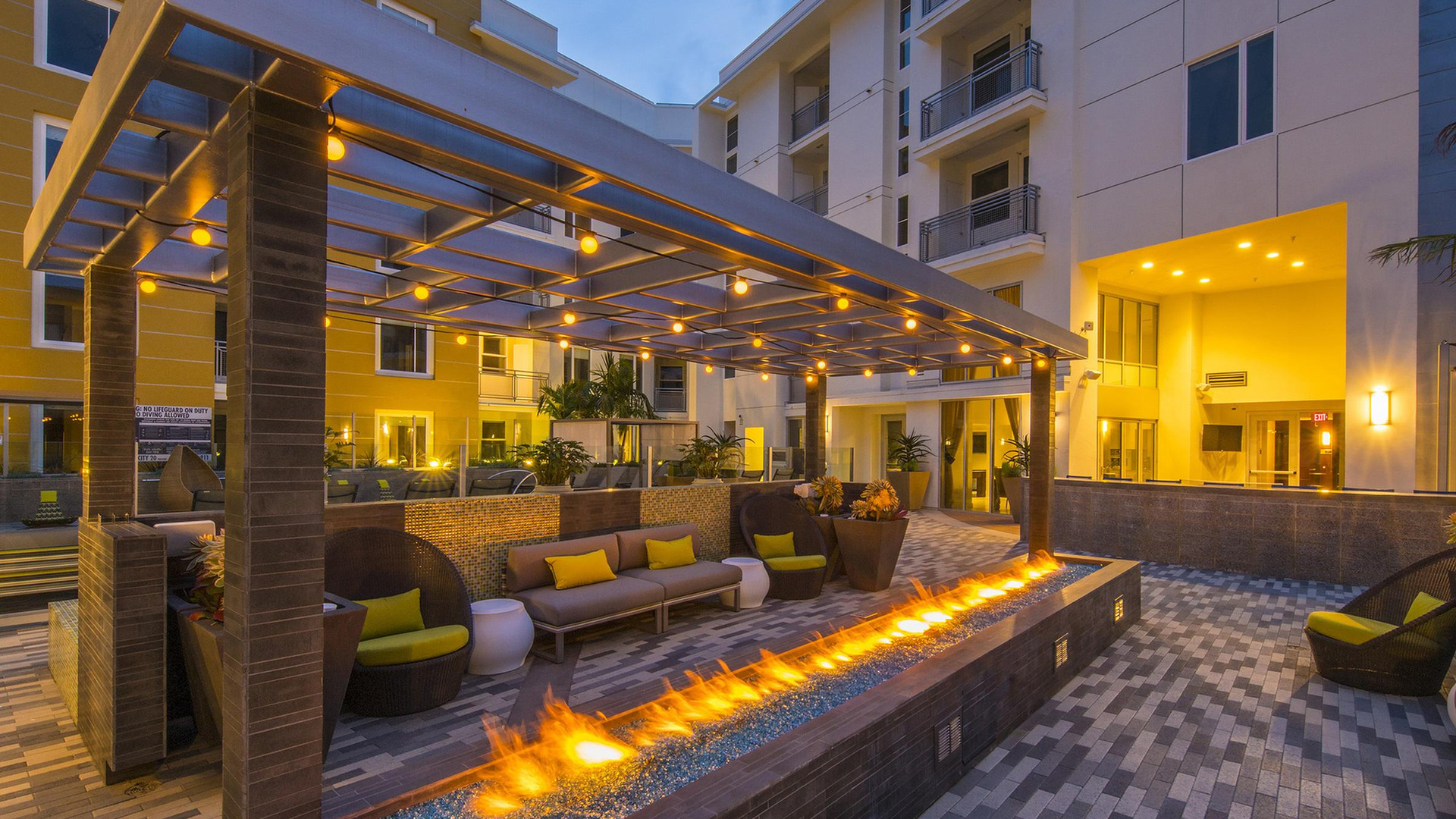 Miracle Mile Los Angeles Apartment Rentals