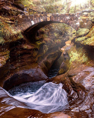 Devils bathtub at Hocking Hills.jpg