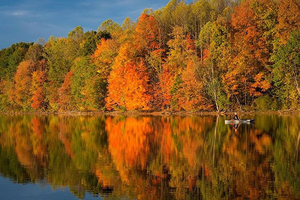 Beautiful fall colors on the reservoir a