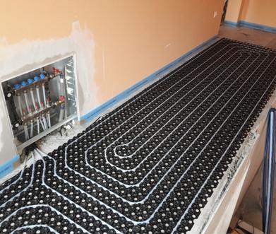 rozdeľovač podlahového vykurovania