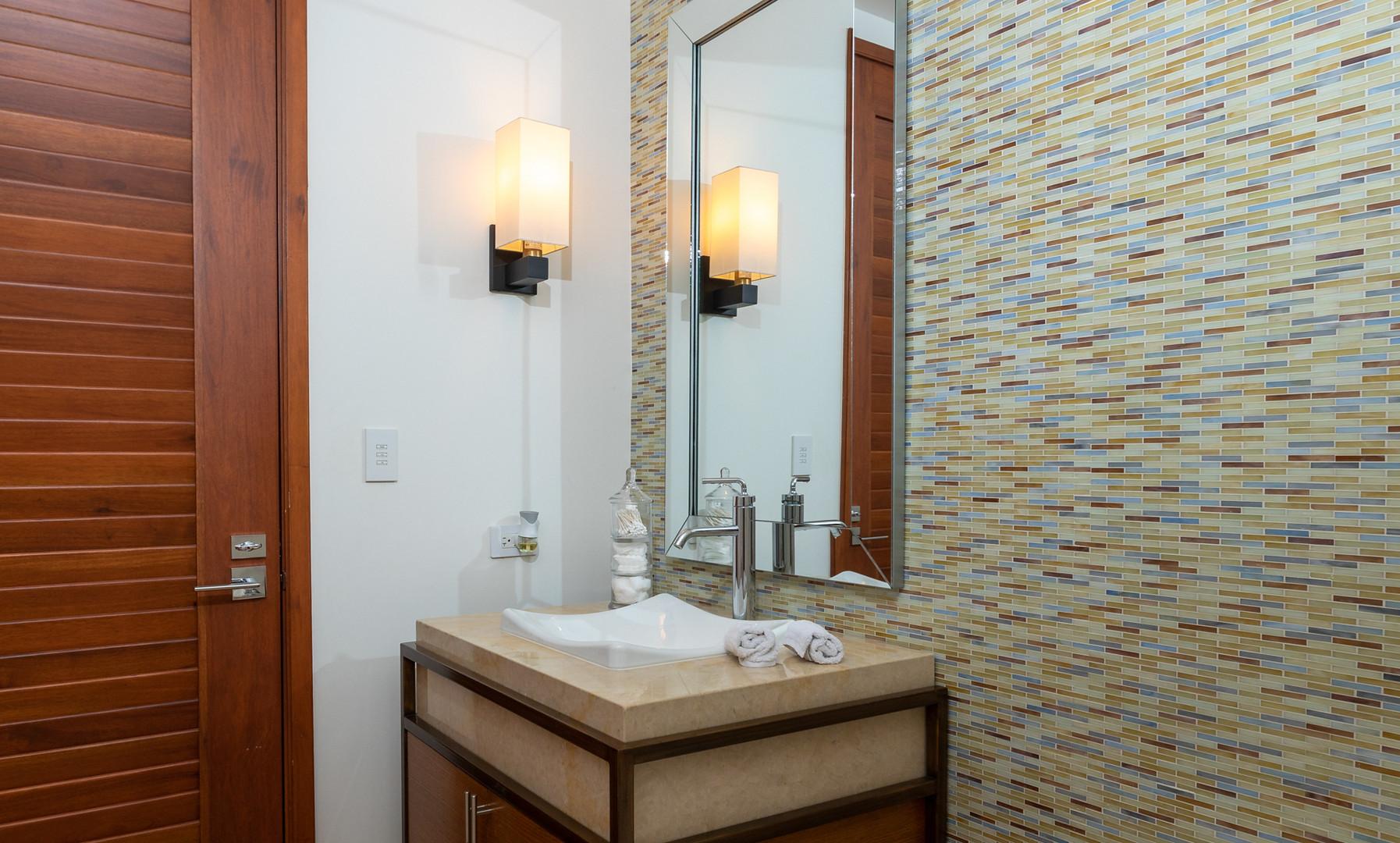 West Beach - Third Bathroom