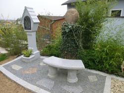 Granit Materl Eule und Sitzbank