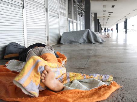 Renda dos mais pobres cai e concentração de riqueza cresce