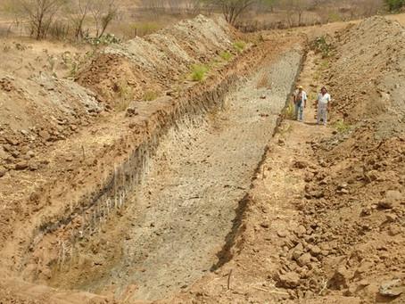 Construção de Barreiro Trincheira alegra família de Lajes Pintadas