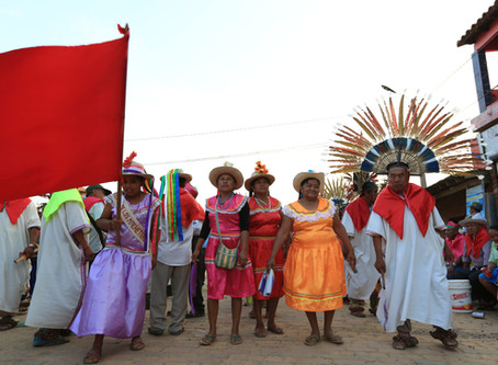 ボリビア・サンイグナシオデモホス・爆発祭り?